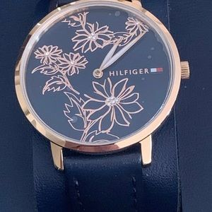 TOMMY HILFIGER WATCHES LADY'S NAVY BLUE. NEW